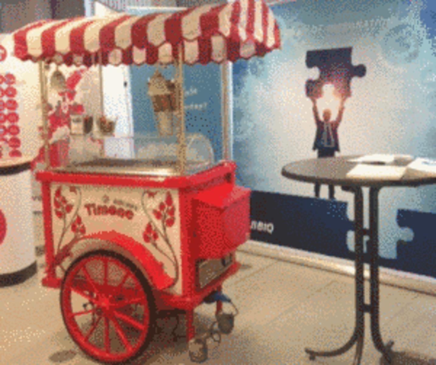Quicool An Der Uni Quibiq Mit Eiswagen Auf Der Kontaktmesse